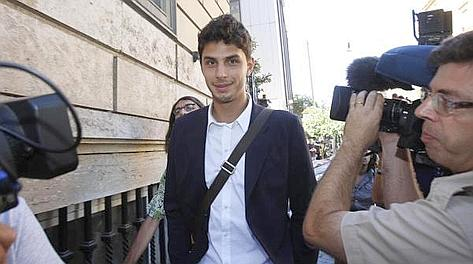 Andrea Ranocchia, 24 anni, al Bari nel 2009-10. Ansa