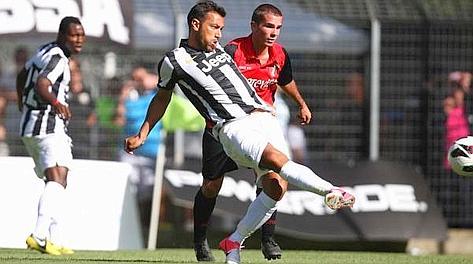Fabio Quagliarella va a segno contro l'Aygreville. LaPresse