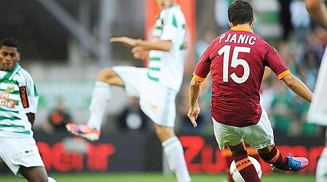 Il gol dell'1-0 di Pjanic. Fotopress