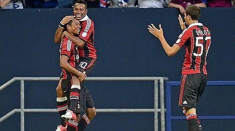 Urby Emanuelson festeggia il suo gol. Ap