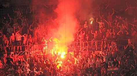 Gli ultra dell'Hajduk Spalato ieri sera a San Siro. Ansa