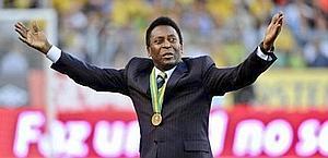 Pelé ha battuto il calcio d'inizio. Ansa