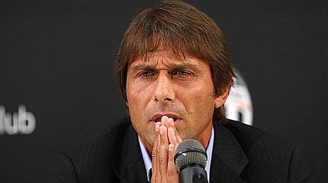 La rabbia di Conte durante la conferenza stampa. LaPresse