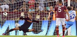 Giovanni Marchese segna l'1-0 per il Catania. Reuters