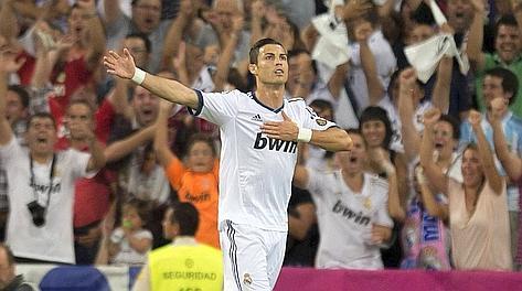 Cristiano Ronaldo esulta dopo il gol del 2-0. Afp