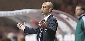 Roberto Di Matteo sconsolato: Chelsea travolto. Ap