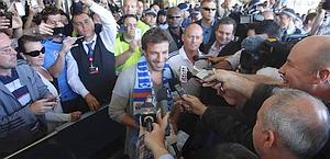 La folla intorno a Del Piero a Sydney. Reuters