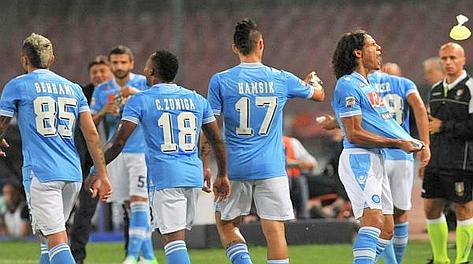 Festa Napoli: la Juve è agganciata in vetta. Reuters