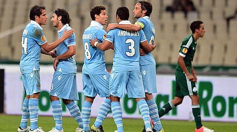 Festa Lazio dopo il gol del vantaggio. Afp