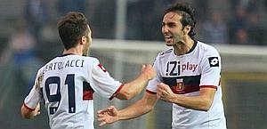 Bertolacci esulta con Moretti dopo il vantaggio. Ansa