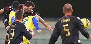 Il colpo di testa vincente di Fabio Lucioni, 25 anni. LaPresse