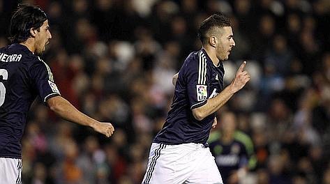 L'esultanza di Benzema dopo il gol dell'1-0. Ap