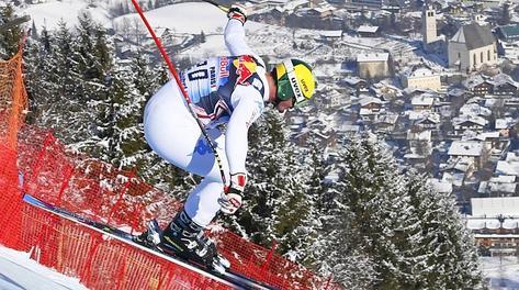Dominik Paris in azione a Kitzbuehel.