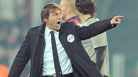 Antonio Conte, 43 anni, urla contro Guida al termine di Juve-Genoa. Ansa