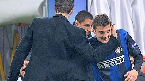 Andrea Stramaccioni si complimenta con Mateo Kovacic dopo il suo esordio a San Siro. Bozzani