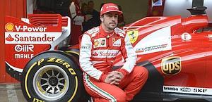 Fernando Alonso ai box di Montmelo con la Ferrari F138