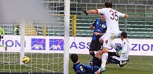 Il gol dell'1-0 di Livaja. LaPresse