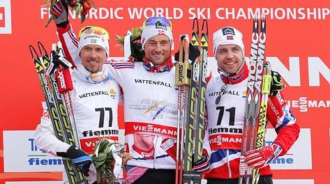 Da sinistra: il bronzo Johan Olsson, l'oro Petter Northug e l'argento Tord Asle Gjerdalen. Reuters