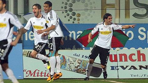 Il Cesena festeggia il provvisorio vantaggio sull'Ascoli. Lapresse