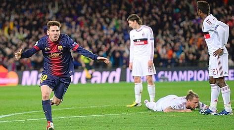Lionel Messi, 25 anni, dopo il primo dei due gol al Milan. Ap