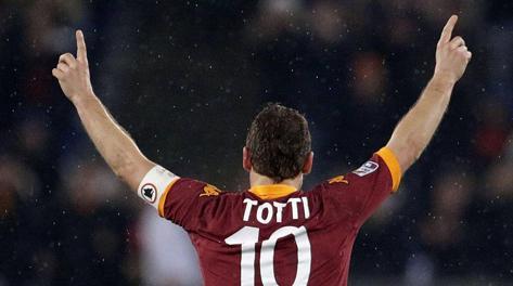 Totti: per lui 226 gol in A, solitario secondo marcatore di sempre. Ansa