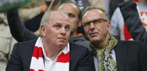 Uli Hoeness e Karl-Heinx Rummenigge in tribuna. Reuters