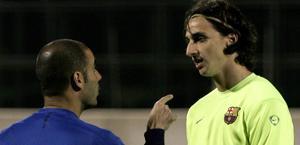 Guardiola e Ibrahimovic a colloquio ai tempi del Barça. Epa