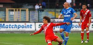 Il gol della vittoria di Maccarone. LaPresse