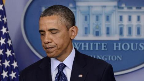 Il dolore di Obama durante il discorso alla Nazione. Epa