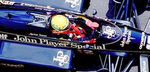 Sulla Lotus con cui conquistò i primi successi in F.1. Colombo
