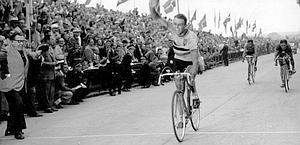 Rik Van Steenbergen winning the world championships in 1949. Ap
