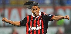 Ronaldinho, 30 anni, in azione. Ansa