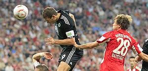 Dzeko, 24 anni, capocannoniere della Bundesliga 2010. Reuters