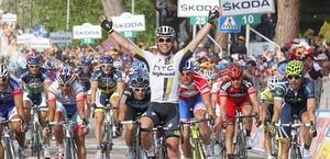Così Mark Cavendish ha vinto la 10/a tappa. Bettini