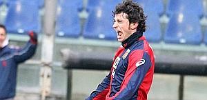 Kaladze esulta dopo il gol realizzato al Parma. Ansa