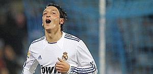 Ozil, da Real Madrid non si muove. Reuters