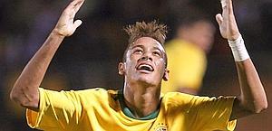 Neymar con la maglia del Brasile. Reuters