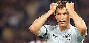 Stephan Lichtsteiner è il nuovo rinforzo per la Juventus . Ansa