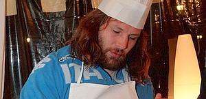 Martin Castrogiovanni in versione cuoco. Archivio