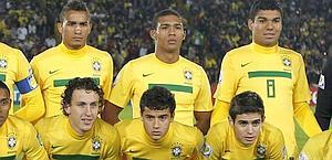 Juan Guilherme Nunes Jesus, 20 anni, in alto al centro. Reuters