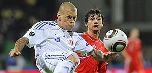 Dzagoev e Skrtel durante Slovacchia-Russia. Reuters