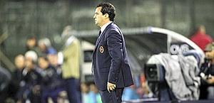 Massimo Ficcadenti sulla panchina del Cagliari. LaPresse