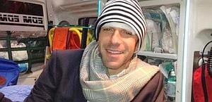 Del Piero in ambulanza in una foto pubblicata sulla sua pagina Facebook