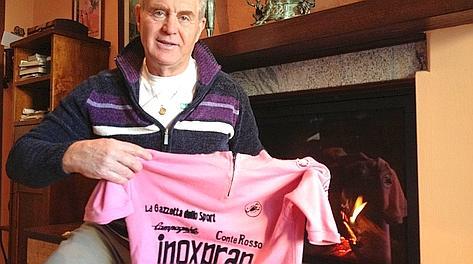 Loriano Gragnoli con la maglia rosa di Battaglin