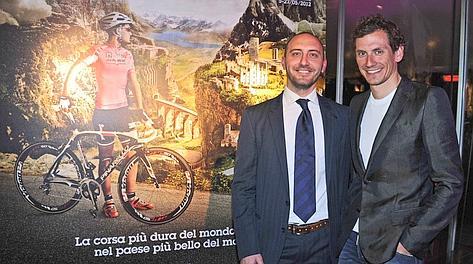 Marco Gobbi di RcsSport con Filippo Pozzato. Gasport
