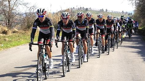 Gruppo tirato dalla RadioShack del leader Horne. Bettini