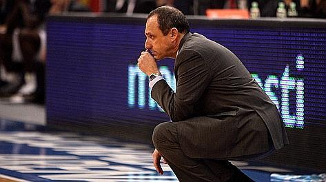La preoccupazione di Ettore Messina, assistant coach dei Lakers. Archivio Rcs