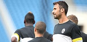Mirko Vucinic in allenamento. LaPresse