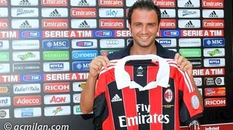 Giampaolo Pazzini, 28 anni, con la maglia del Milan. AcMilan