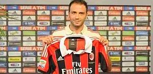 Pazzini is presented at AC Milan. Acmilan.com